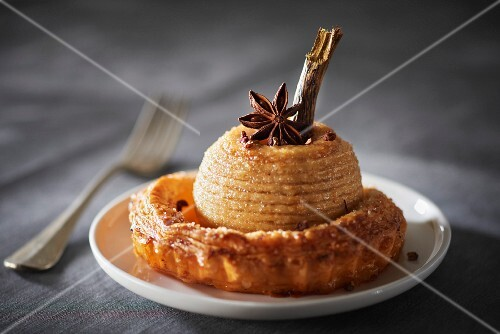 Apple and spice flky pastry tartlet