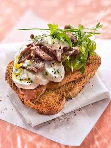 mozzarella,beef,basil and chive cream on toast