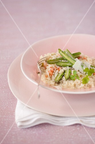 Risotto with crab meat and green asparagus