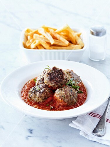 Beef meatballs in tomato sauce,French fries