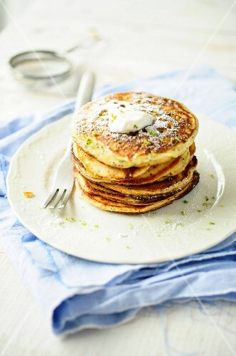 Pancakes with lemon zest and cream