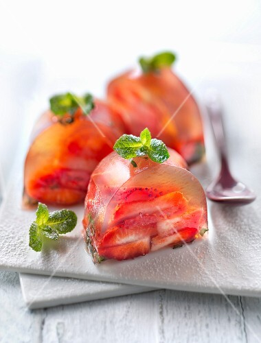 Strawberries with mint in green tea jelly