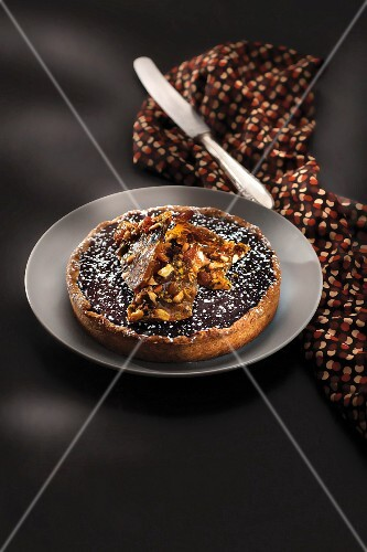 Chocolate and caramel Mendiante tart