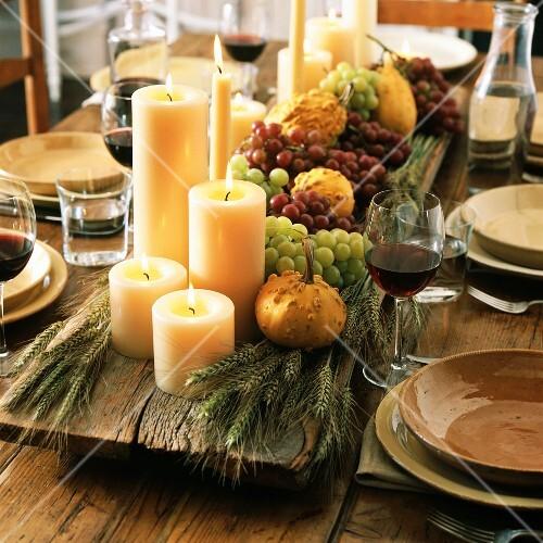 Tischdeko f r thanksgiving bild kaufen 652141 stockfood for Thanksgiving decorating ideas for dinner table