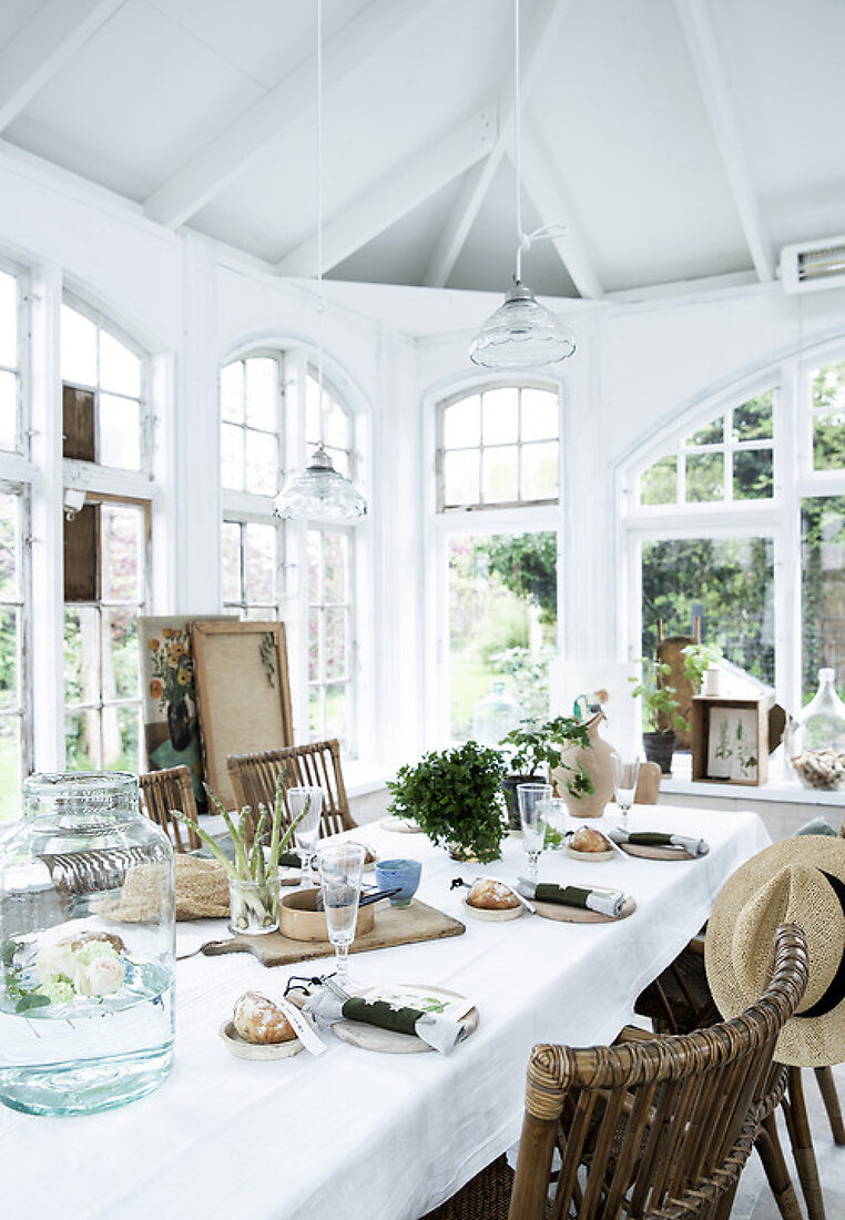 Table settings in the orangery and more