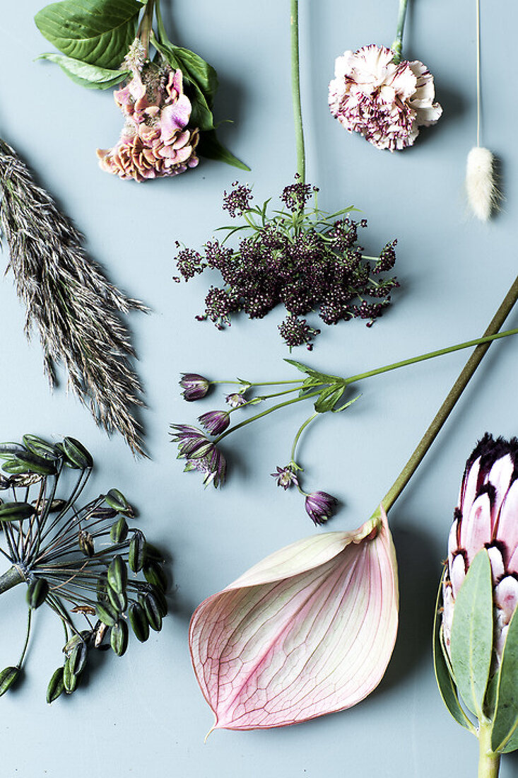 Fresh and Dried Flowers - a Beautiful Mix