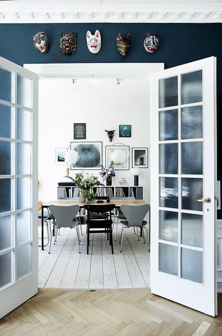 Luna's Creative Apartment in Blue Tones