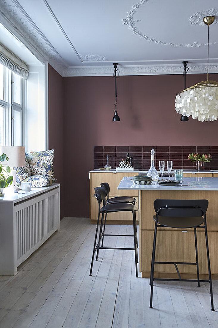 Warm, Elegant & Welcoming Kitchen
