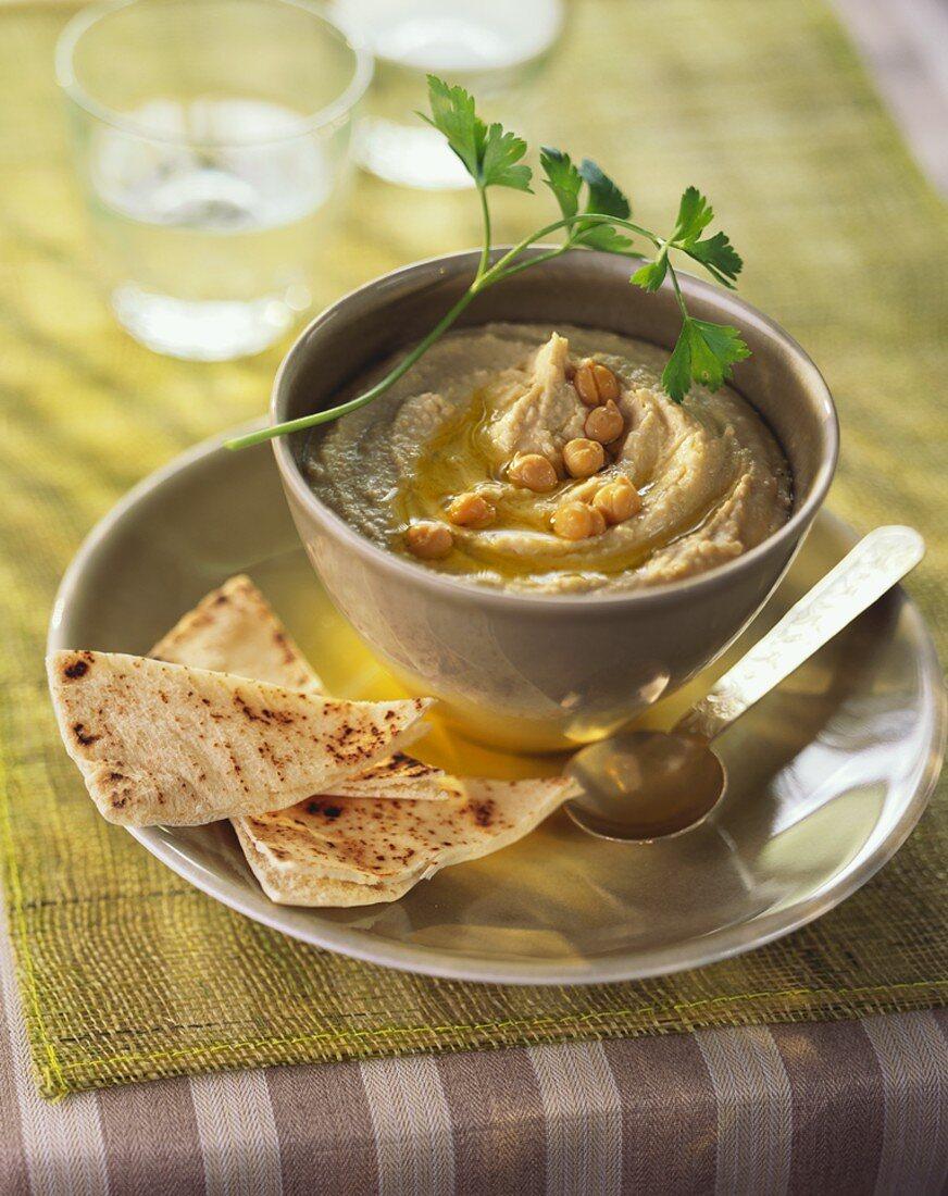Hummus with flatbread (Chick-pea puree, N. Africa)