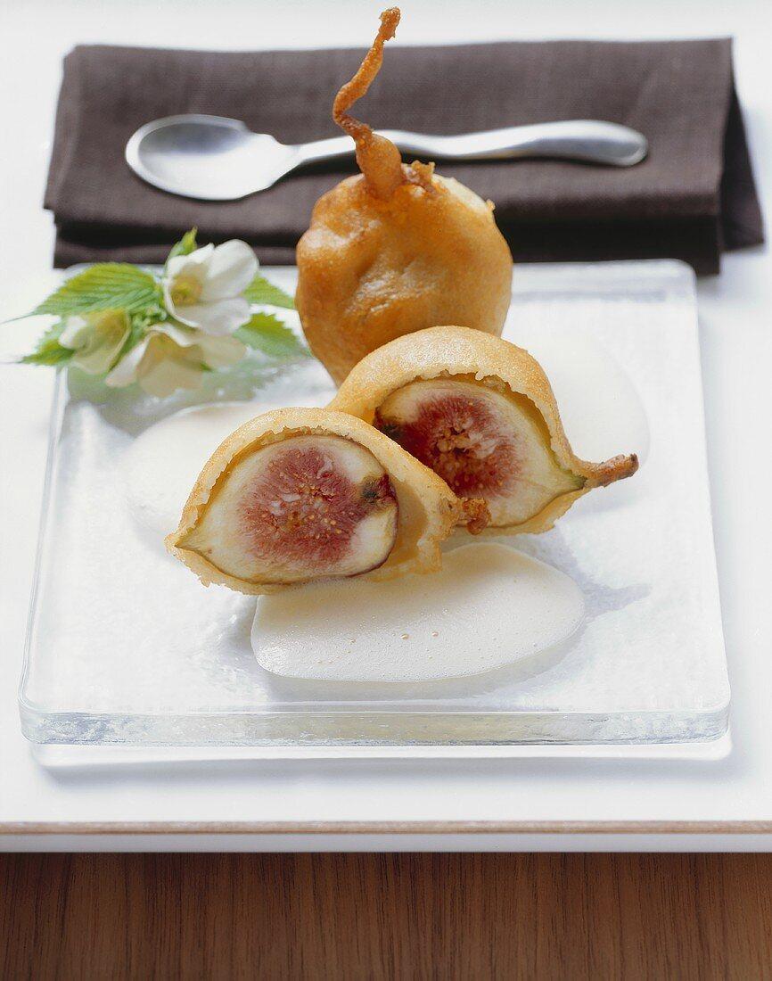 Fried figs with Prosecco zabaglione