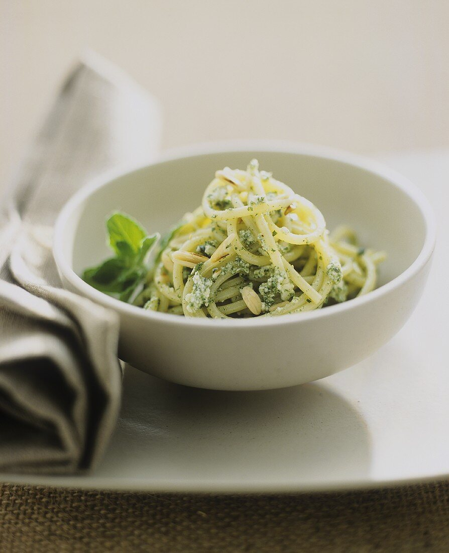 Spaghetti with herb pesto