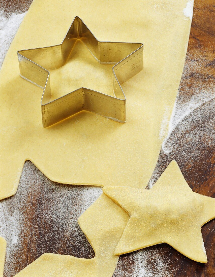 Cutting out pasta stars for ravioli