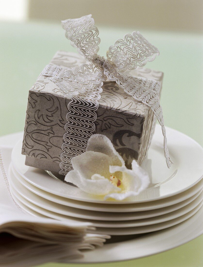 Christmas parcel (table decoration and gift)
