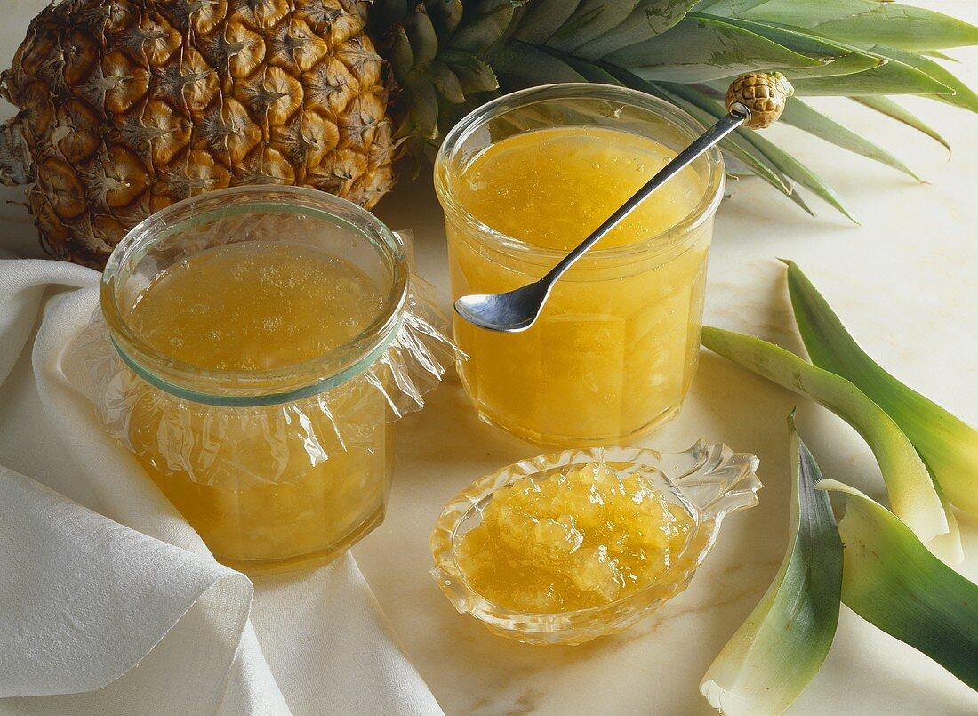 Pineapple jam made with agar