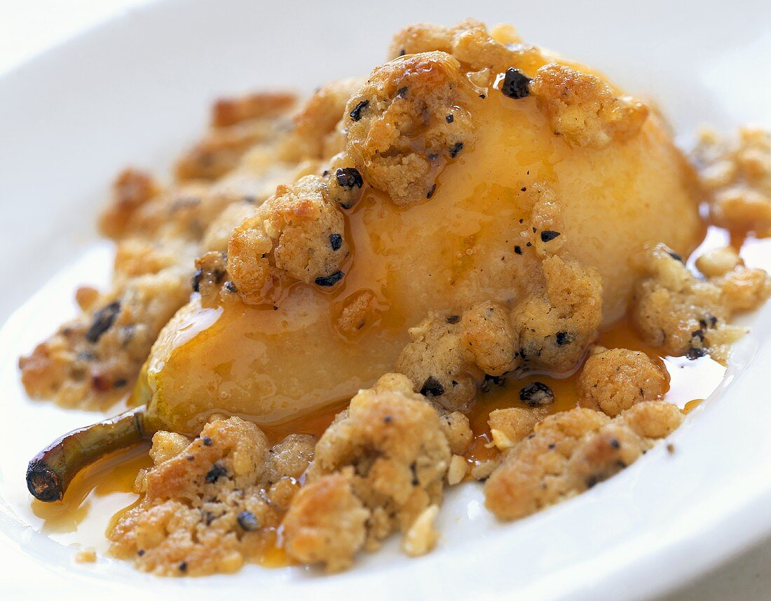 Sweet pear gratin with crumble topping