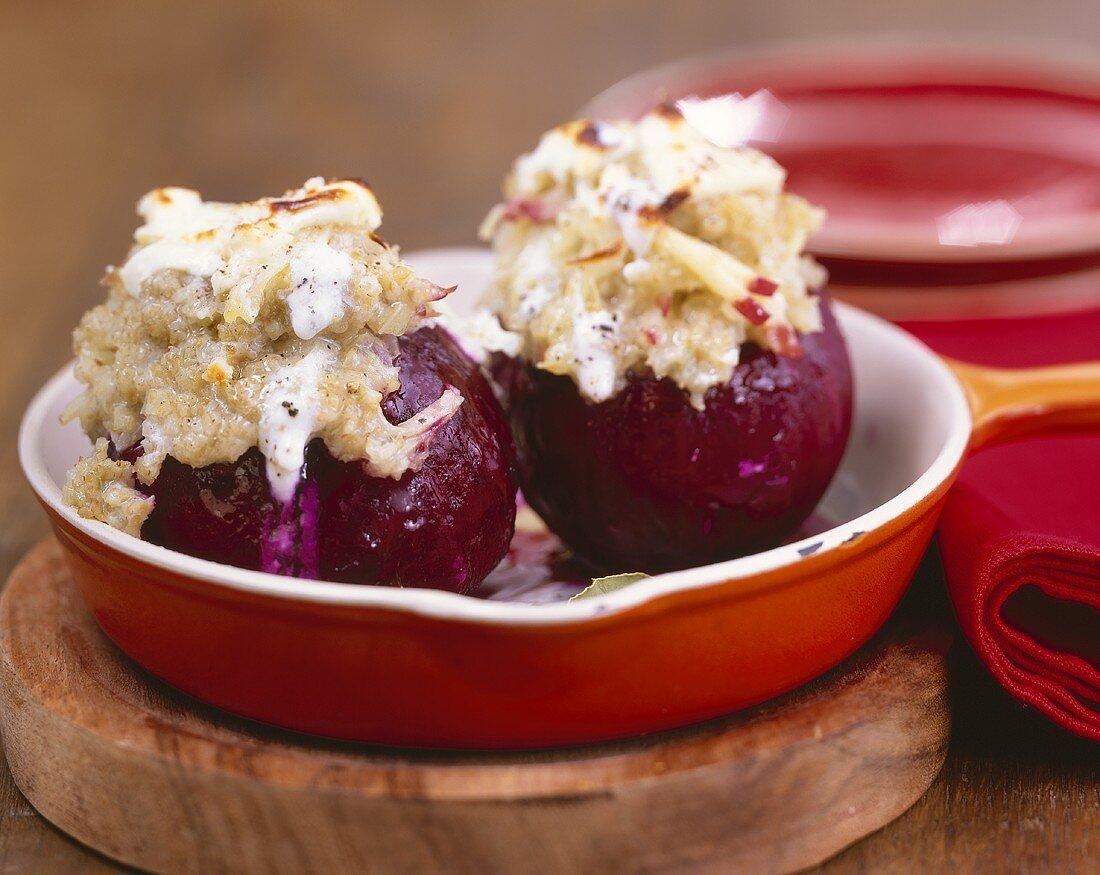 Beetroot stuffed with onion, unripe spelt and feta