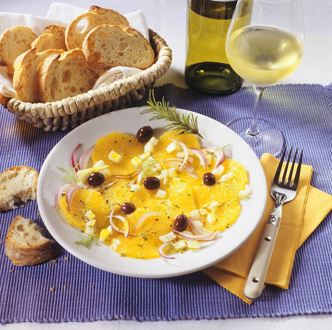 Orange salad with olives, fennel and onion (Sicily)