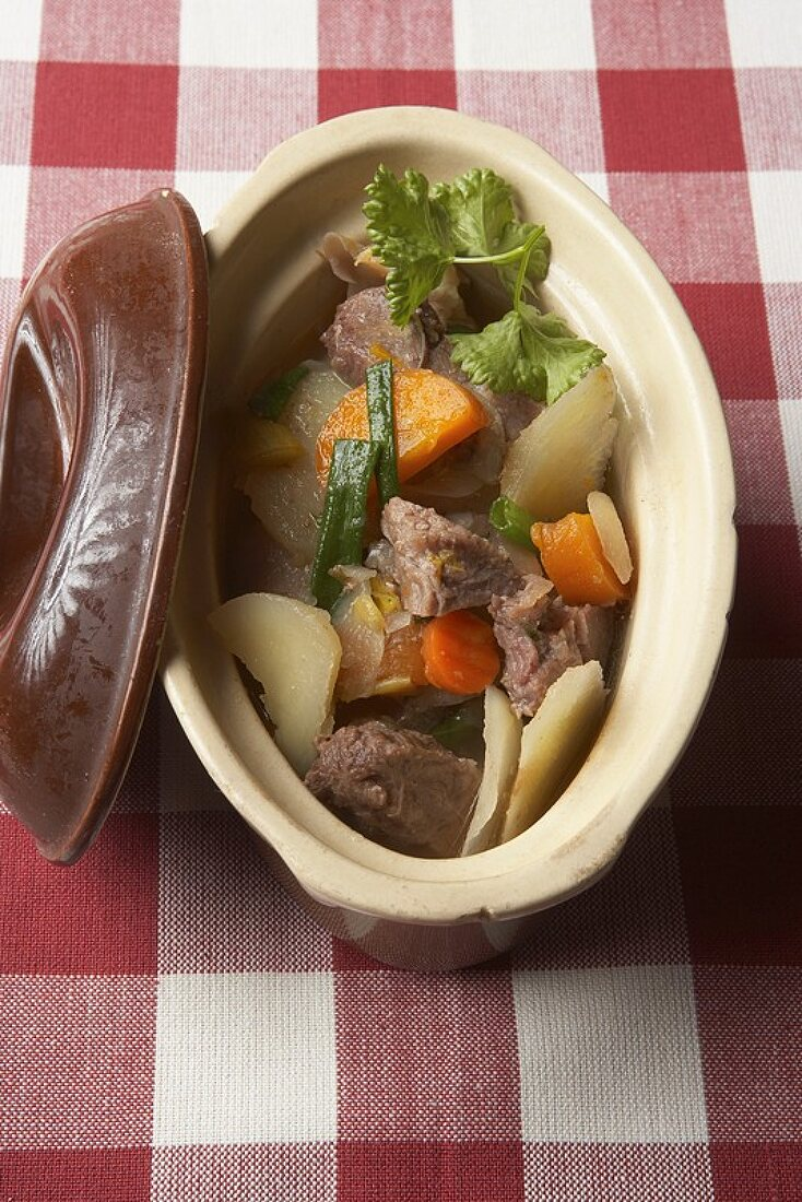 Baeckeoffe (Meat and vegetable stew, Alsace)