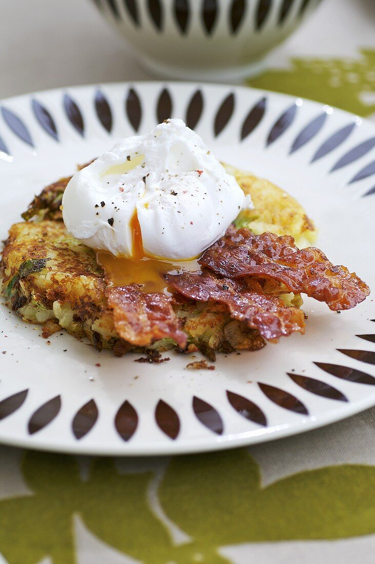 Bubble and squeak with poached egg and bacon (England)