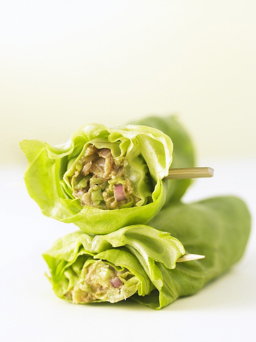 Lettuce leaves stuffed with avocado and tuna