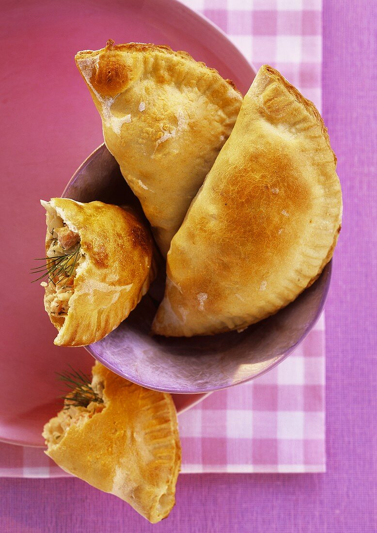 Smoked salmon and fennel pasties