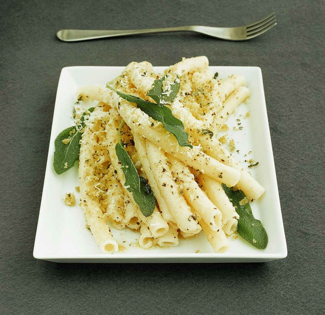 Macaroni with cheese and sage