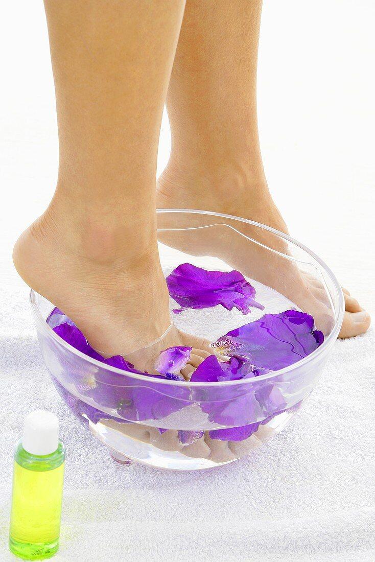 Iris petal foot bath