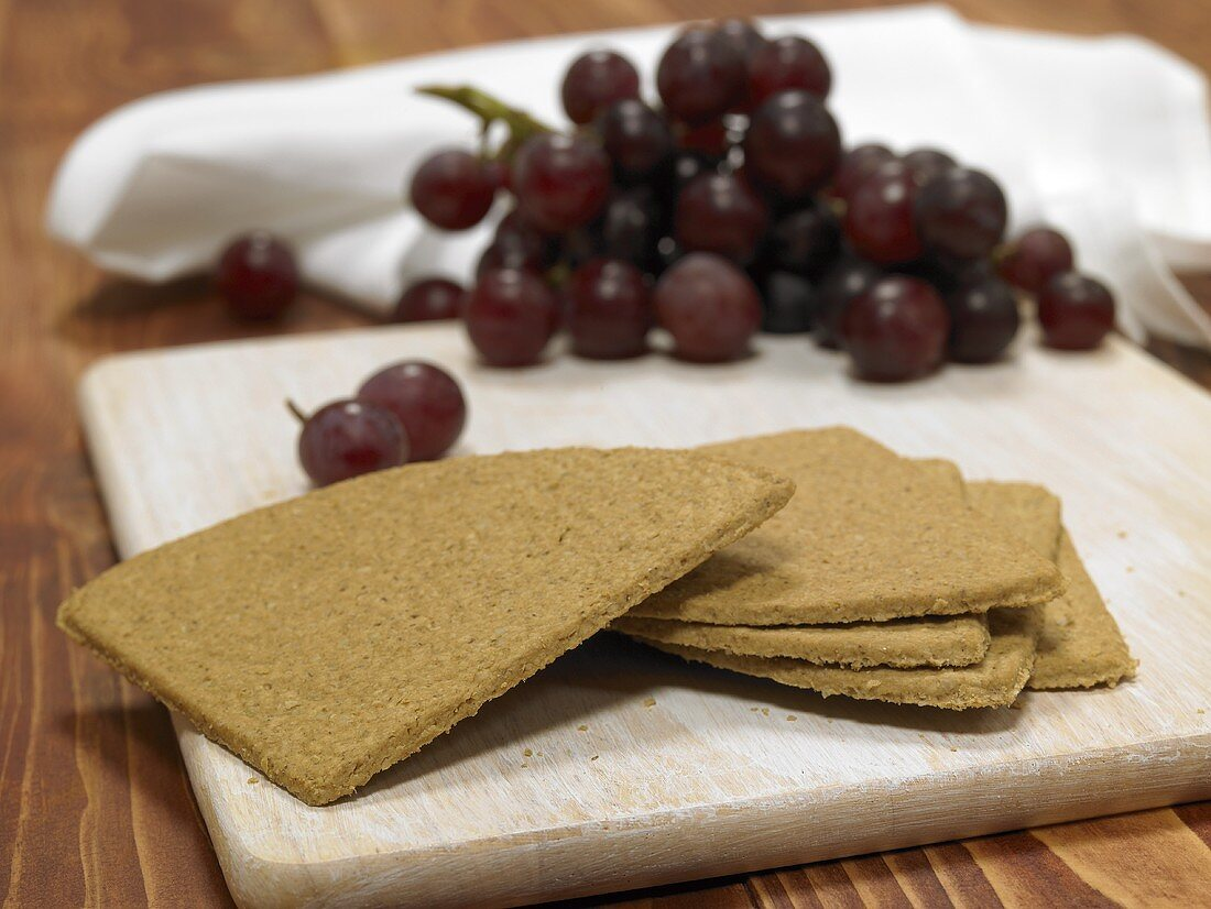 Oatcakes and red grapes