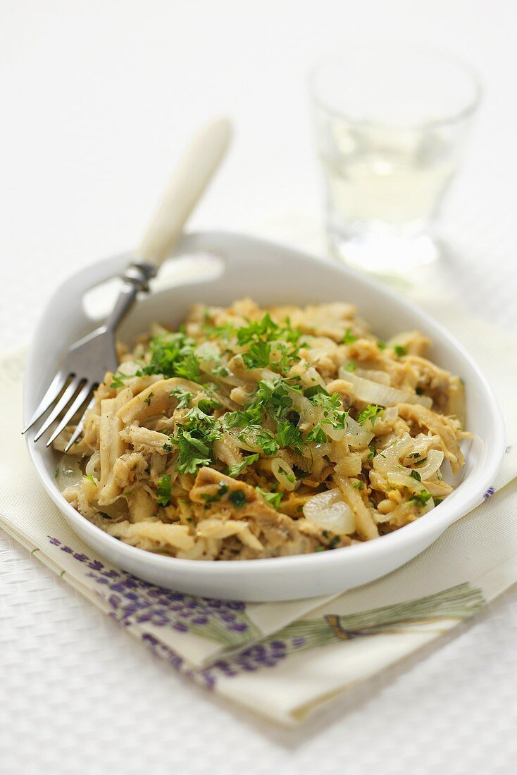 Tripe with onions and herbs