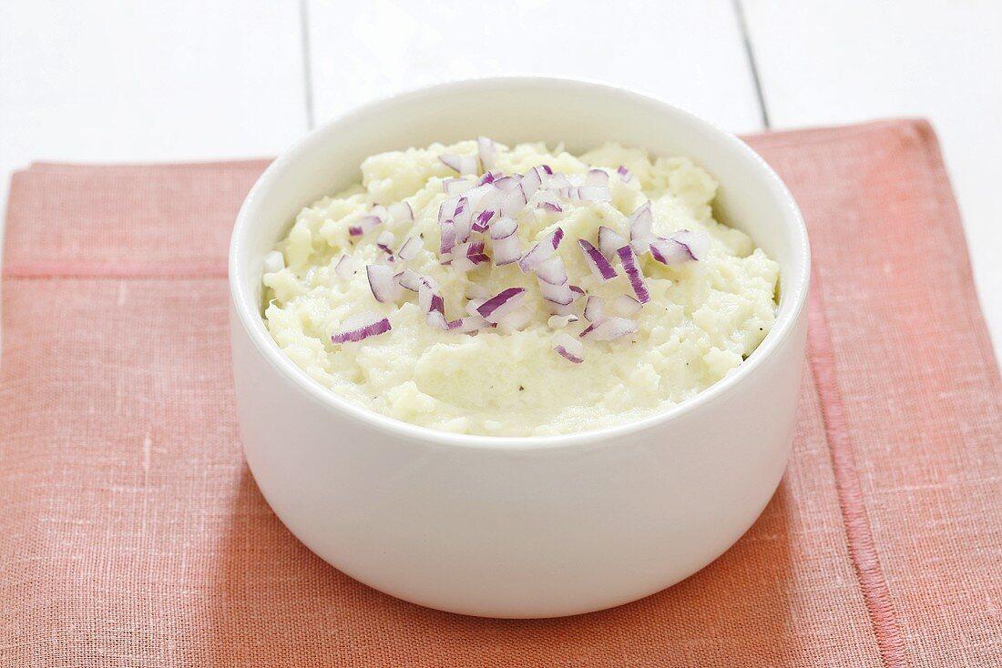 Cauliflower puree with red onions