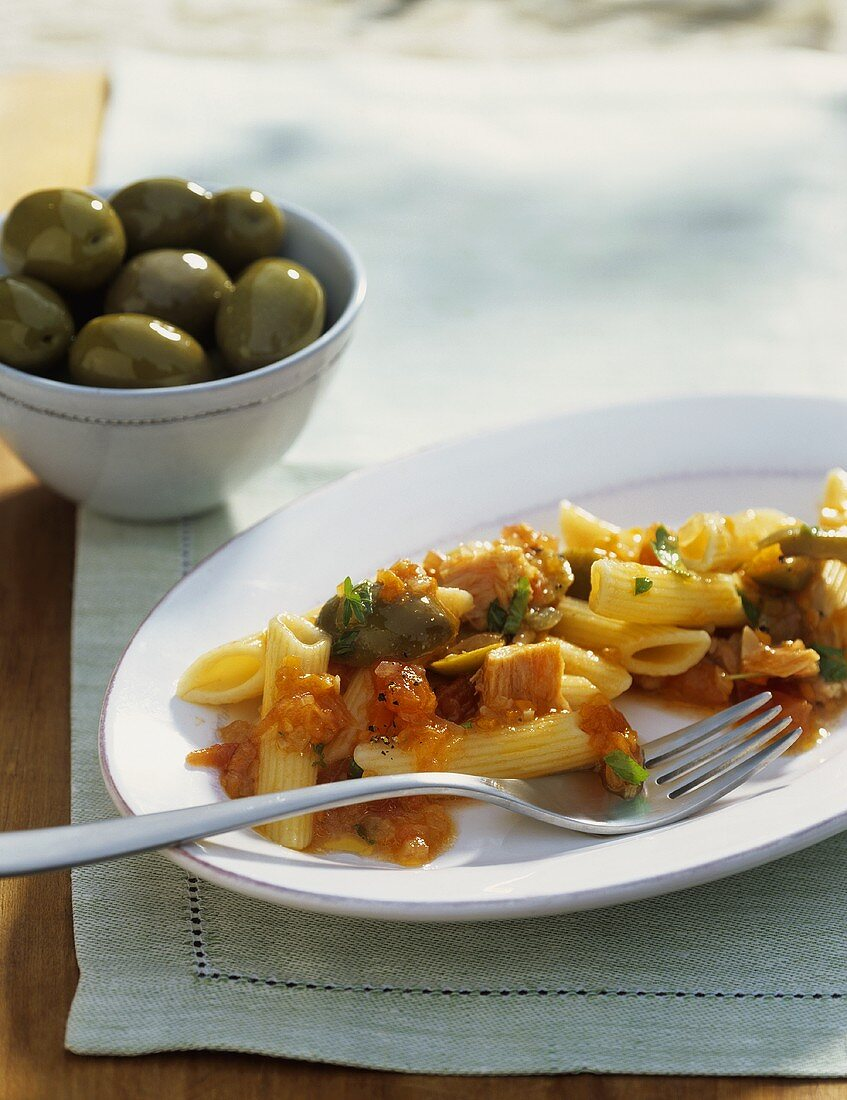Pasta all'ascolana (Pasta with tuna and olive sauce)