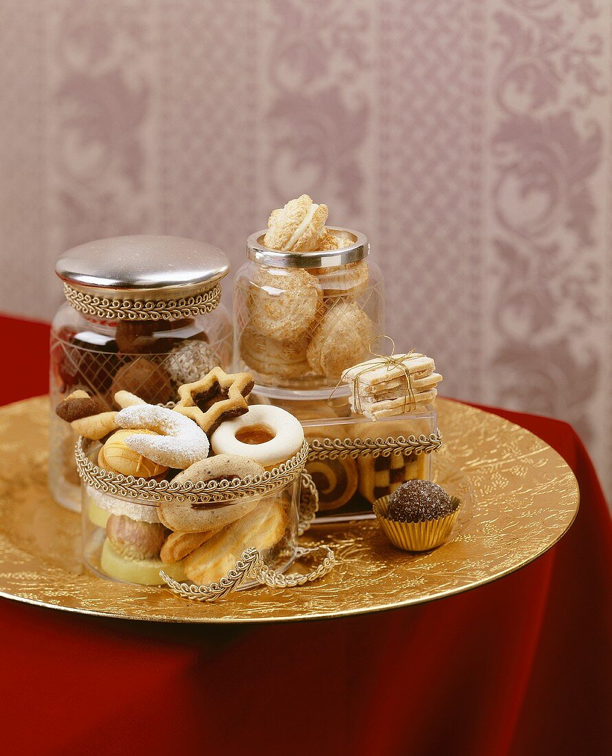 Christmas biscuits on gold plate
