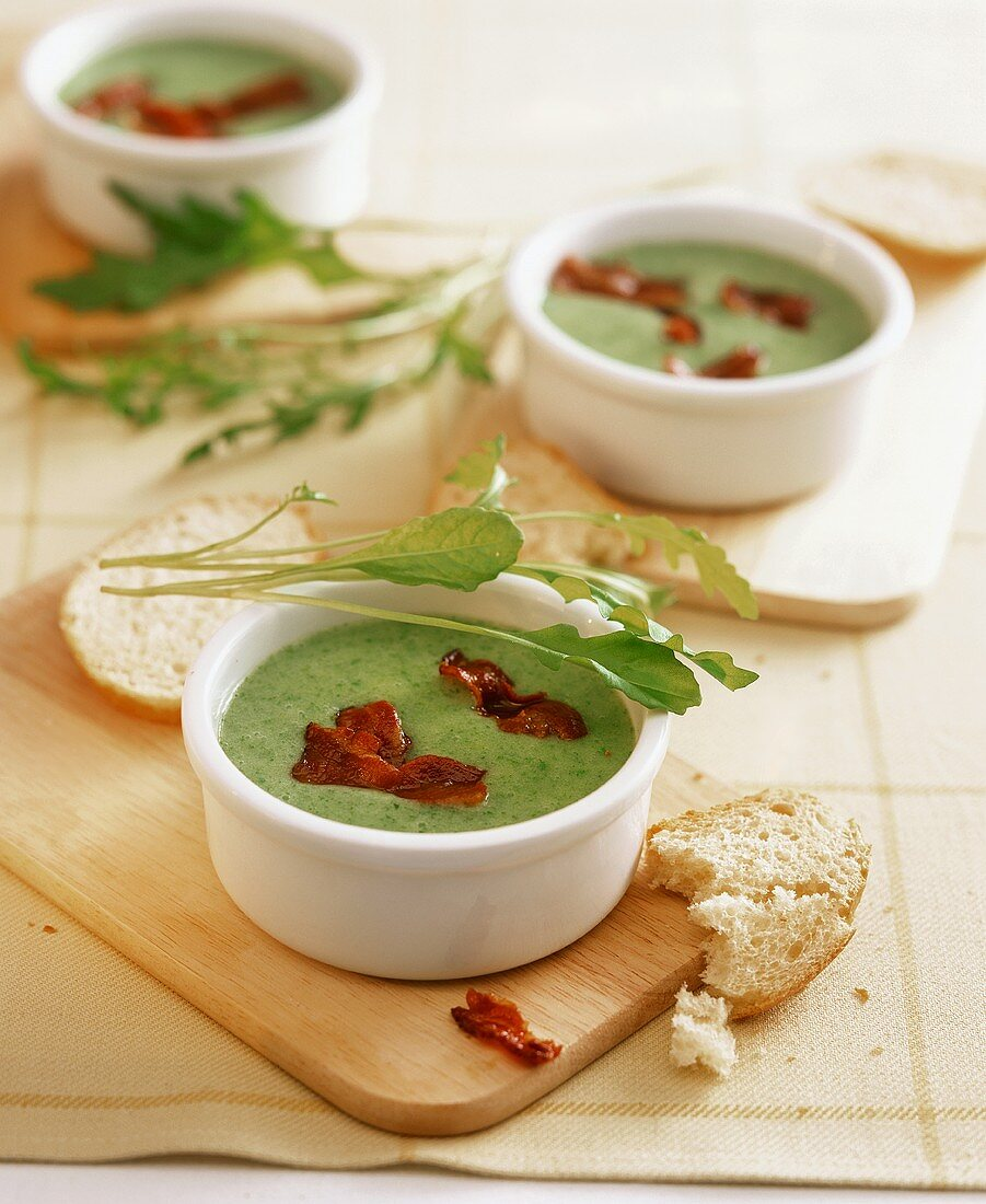 Rocket soup with bacon