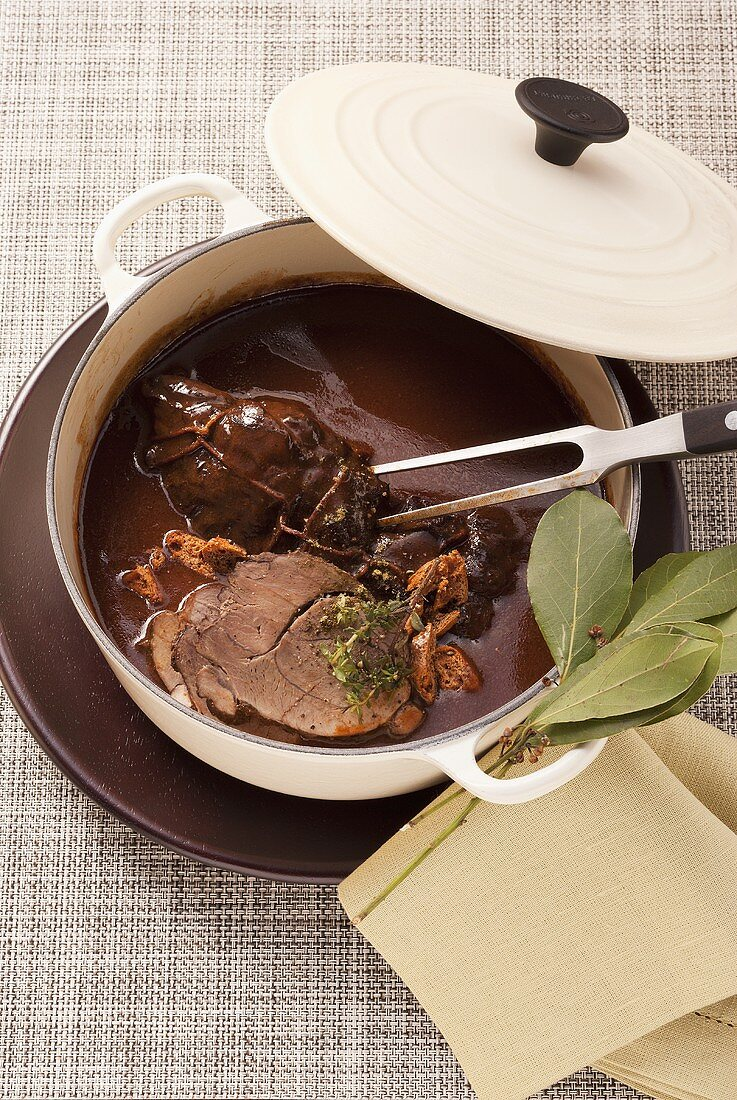 Braised wild boar in a gingerbread and wine sauce