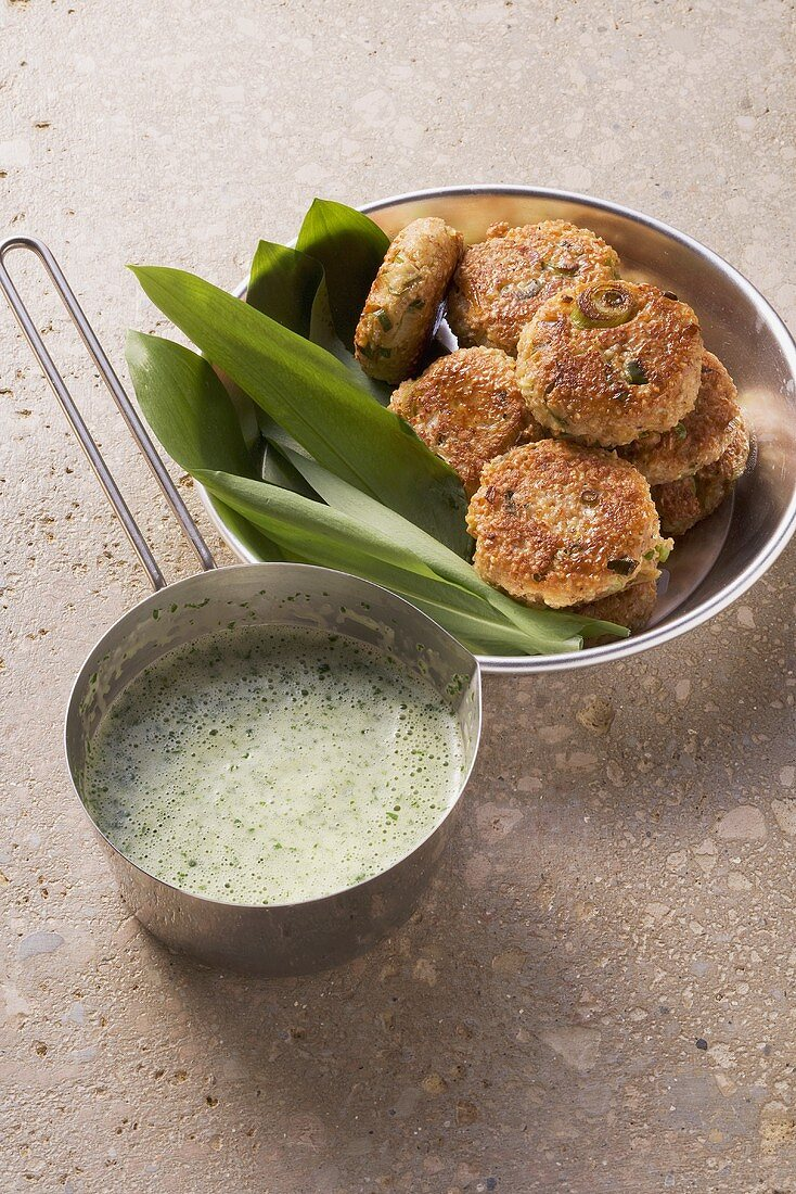 Chive and parsley sauce for wholemeal quark biscuits