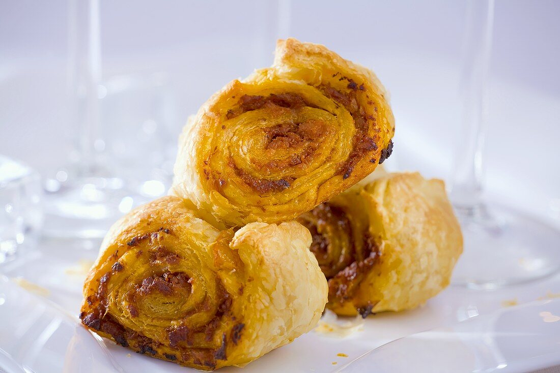 Puff pastry rolls filled with nut cream