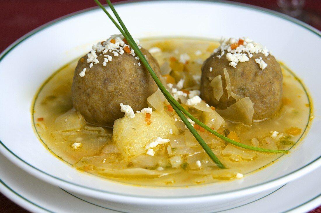 Sopa de bolas de verde (Soup with banana dumplings, Ecuador)