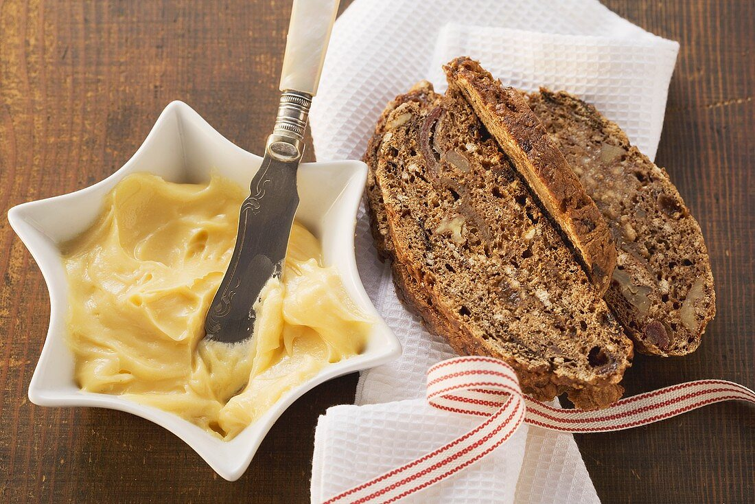 Fruit bread with brandy butter