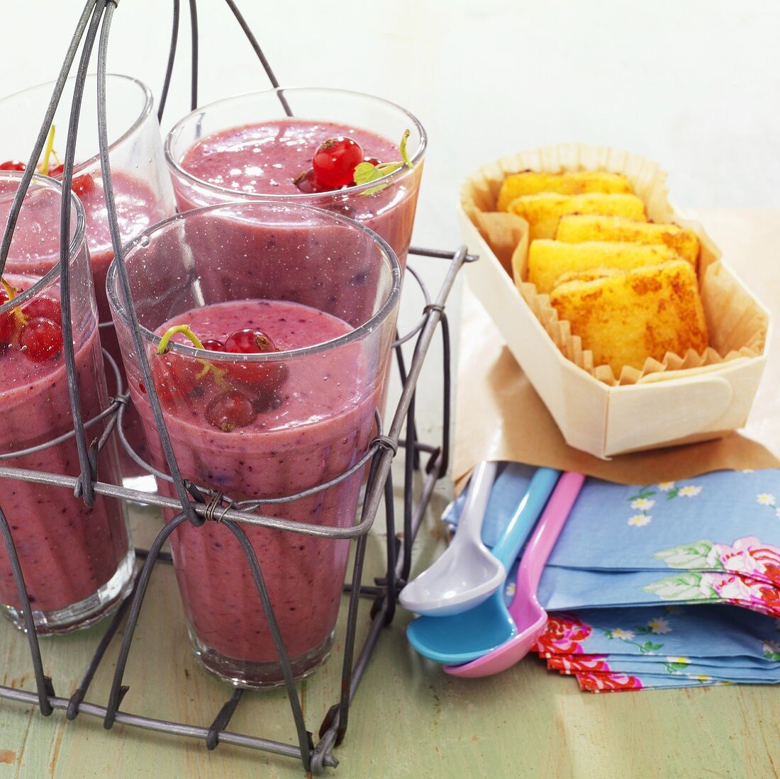 Berry-buttermilk shakes with semolina biscuits