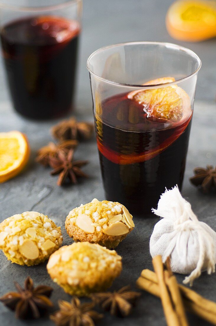 Mulled wine and mini muffins