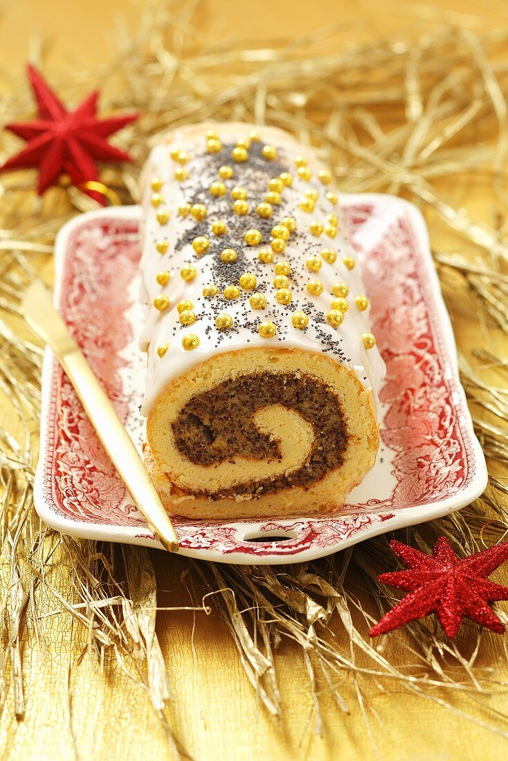 Christmas Swiss roll filled with poppyseeds