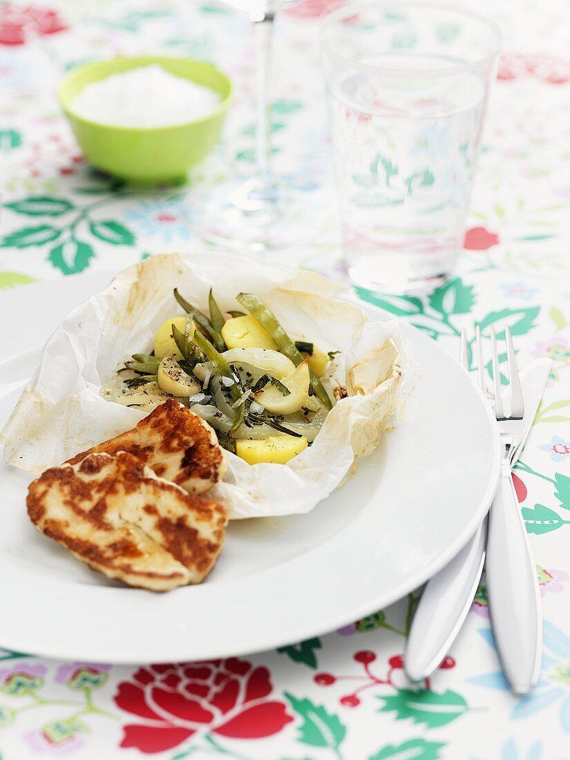 Halloumi with oven-baked vegetables