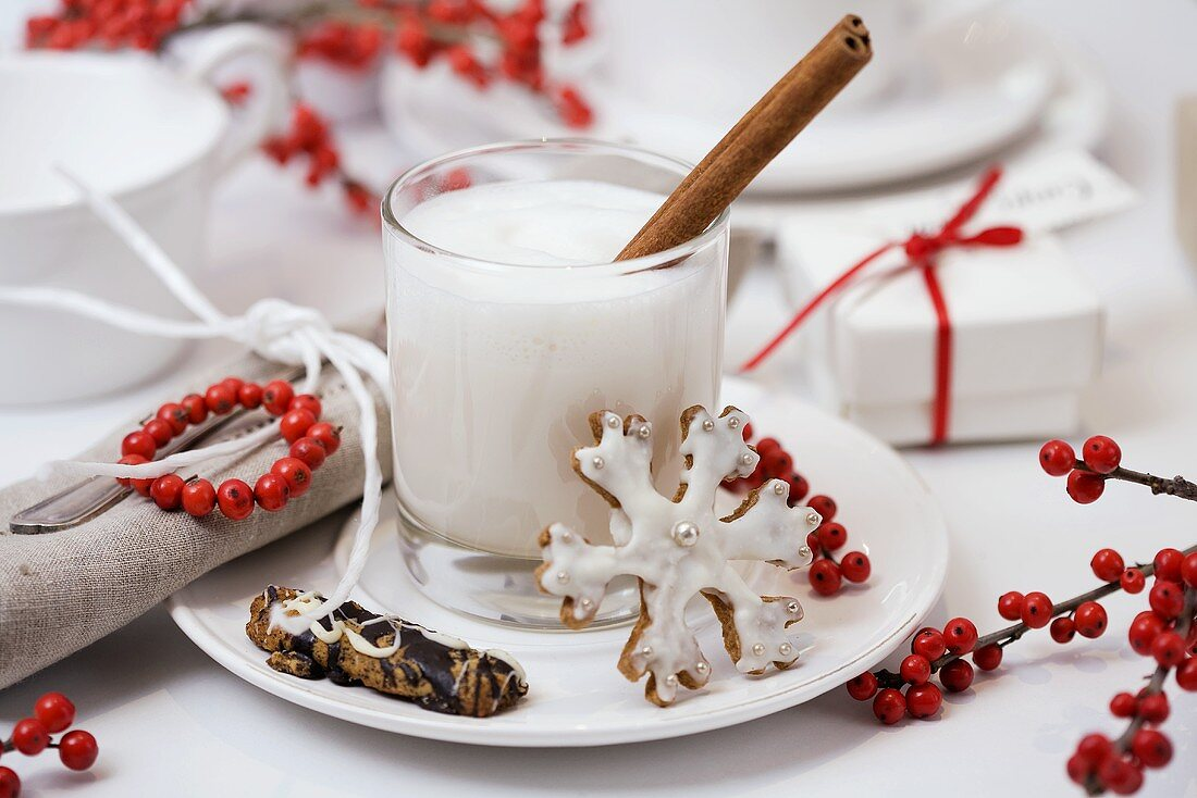 Hot milk with cinnamon and honey