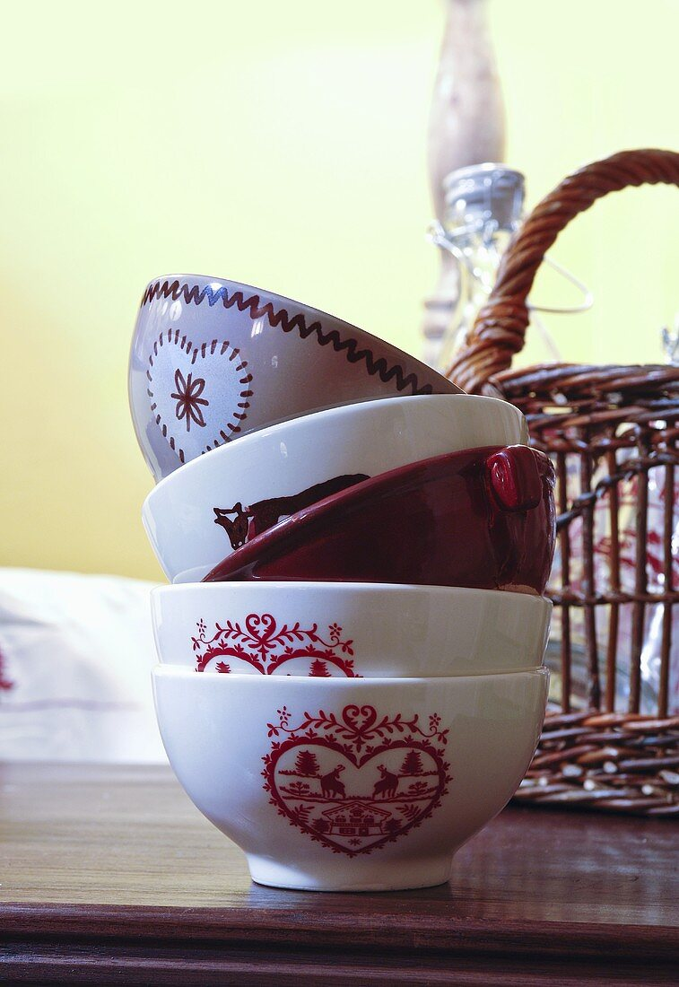 Red-patterned bowls