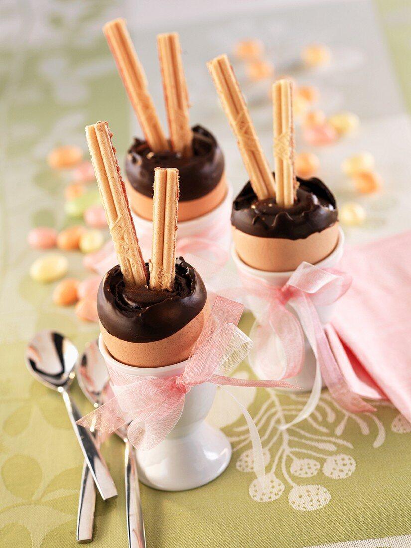 Surprise eggs: chocolate cream in eggshells