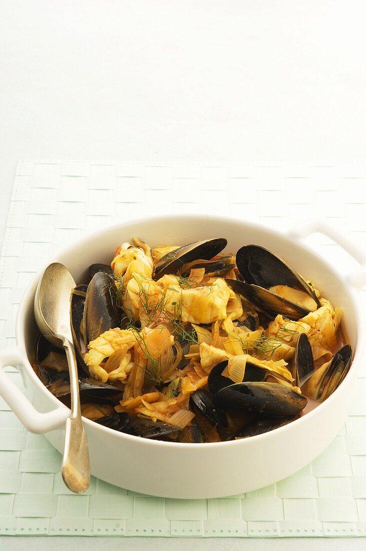 Zuppa di pesce e cozze (Seafood stew)