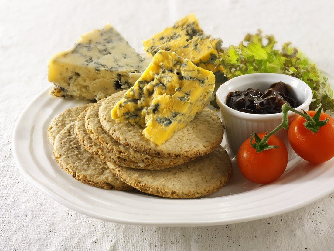 Oatcakes with Blacksticks Blue & Blue Vinney cheese & relish