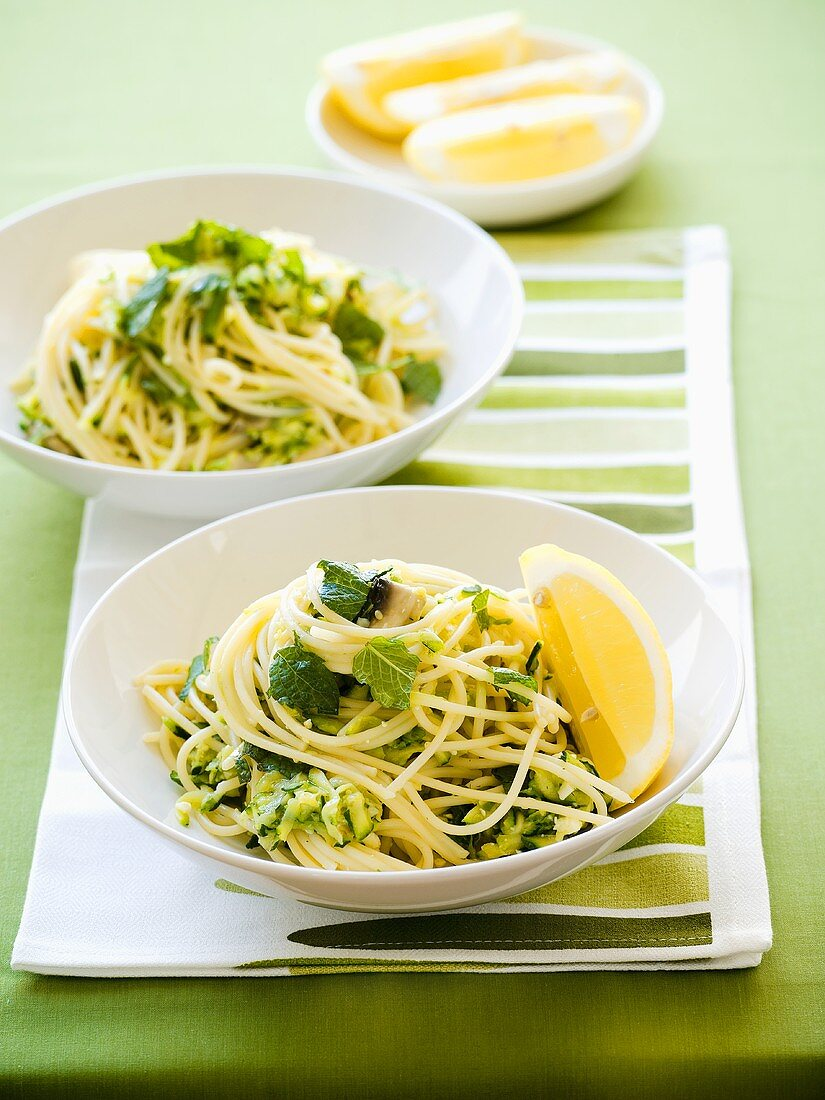 Spaghetti with courgettes and feta