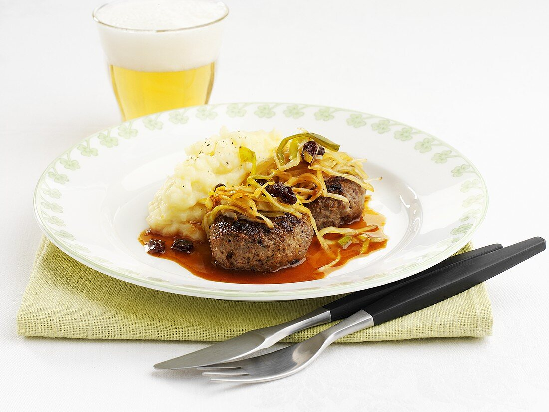 Elk burgers with white cabbage and celery puree (Sweden)