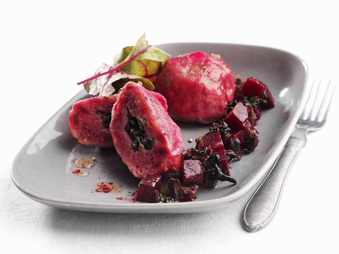 Beetroot dumplings with reindeer meat stuffing (Sweden)